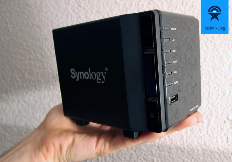 Synology DS411slim - so klein dass sie in meiner Hand Platz findet