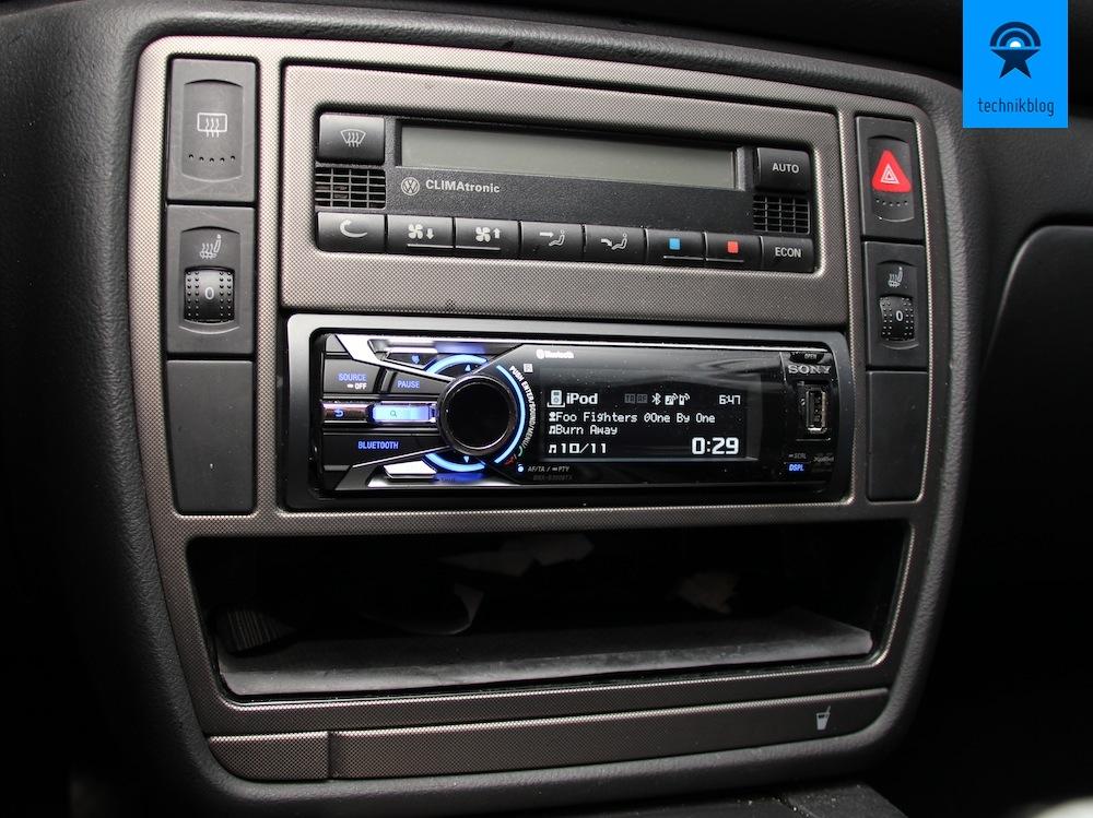 Sony DSX-S300BTX So sieht das Radio verbaut aus