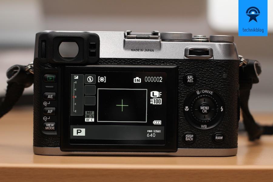Fujifilm FinePix X100 - Der Bildschirm und die Bedienelemente