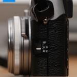 Fujifilm FinePix X100 - Fokus-Schalter seitlich