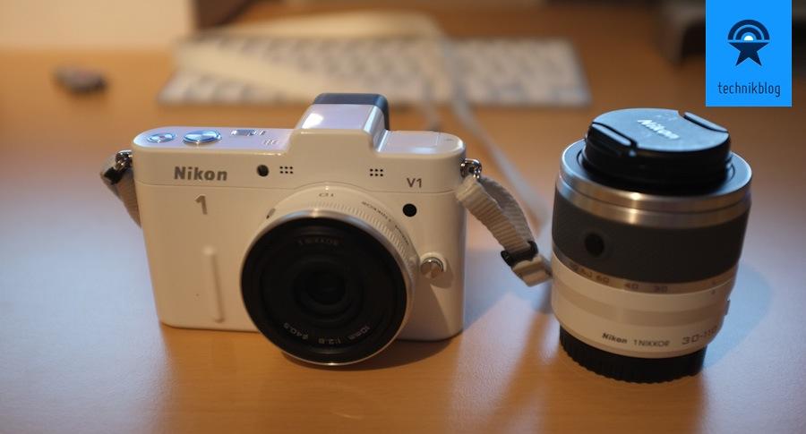 Nikon V1 - Systemkamera mit Sucher und 2 Objekitven