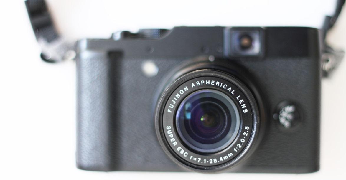 Fujifilm Finepix X10 Front