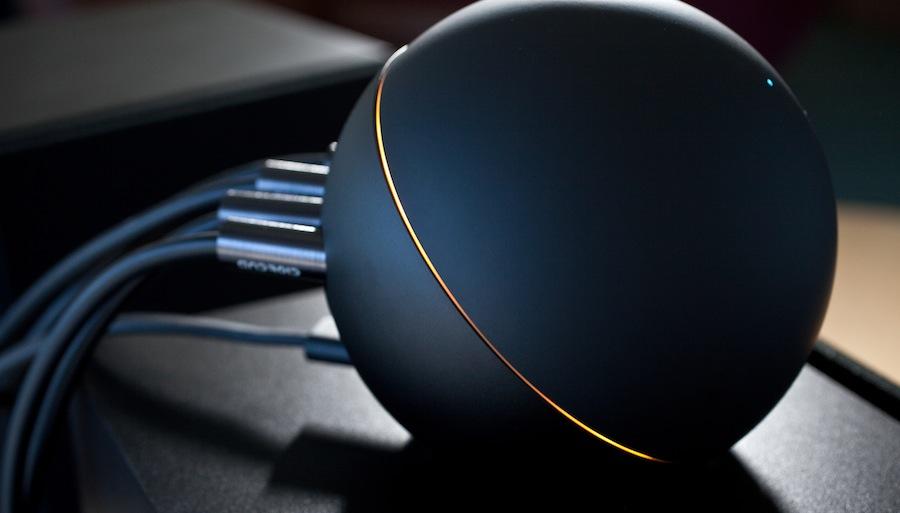 Google Nexus Q im Einsatz   (c)phonearena.com