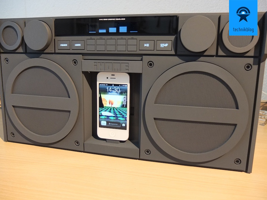 iHome iP4 mit iPhone als Musikquelle