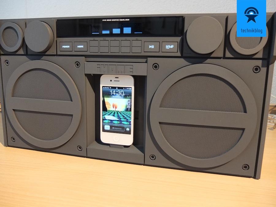 iHome iP4 mit iPhone als Musikquelle