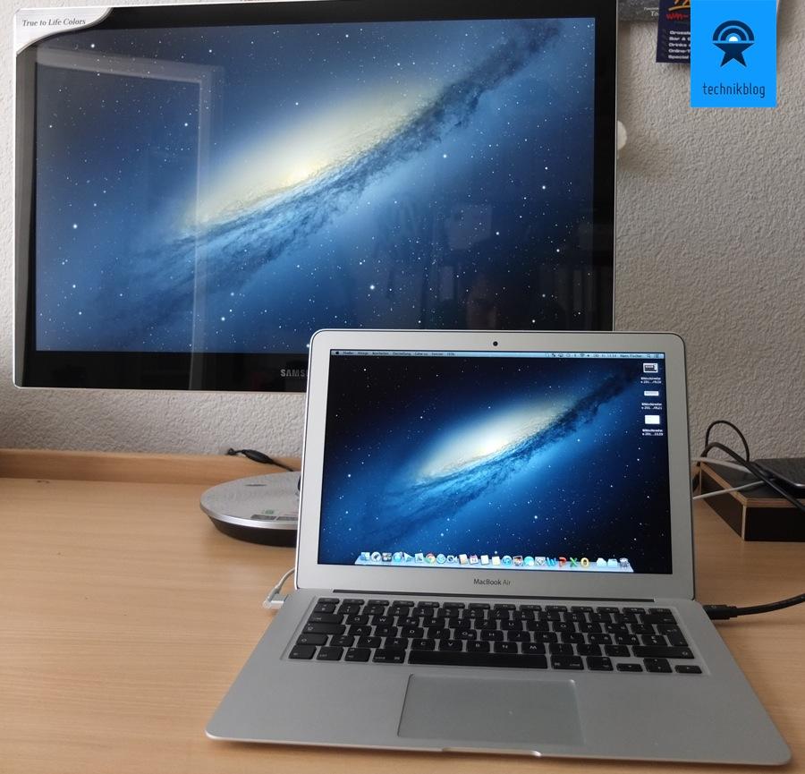 Samsung Serie 9 Monitor hängt am MacBook Air Thunderbolt Ausgang