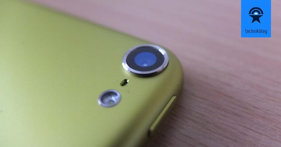 Die Kamera des iPod Touch mit 5MP steht etwas vor