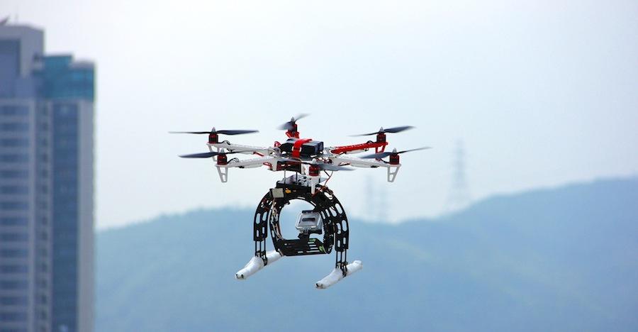 DJI F550 Hexakopter mit GoPro Halterung - (c)flying-hobby.com