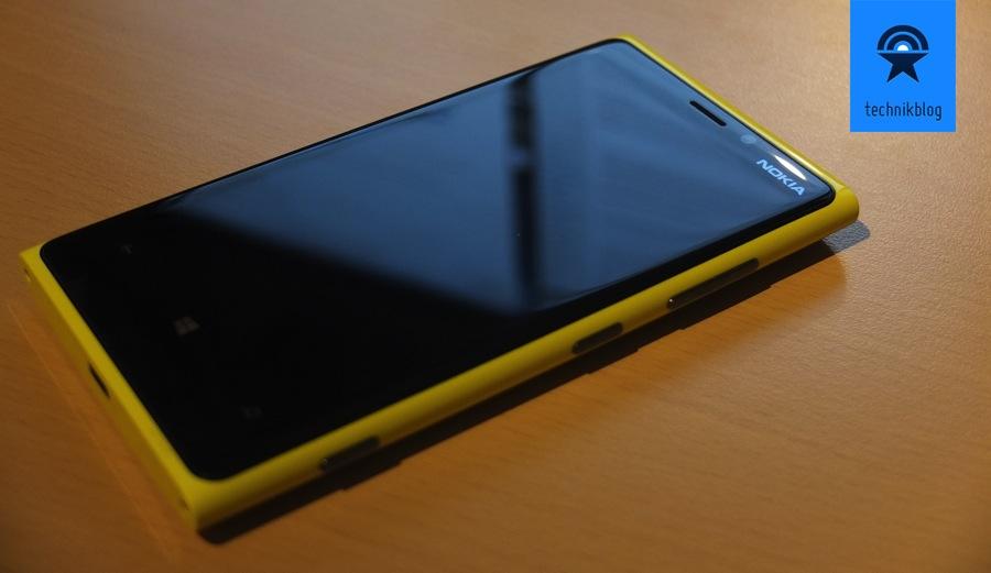 Nokia Lumia 920 - schönes Smartphone - leider etwas schwer