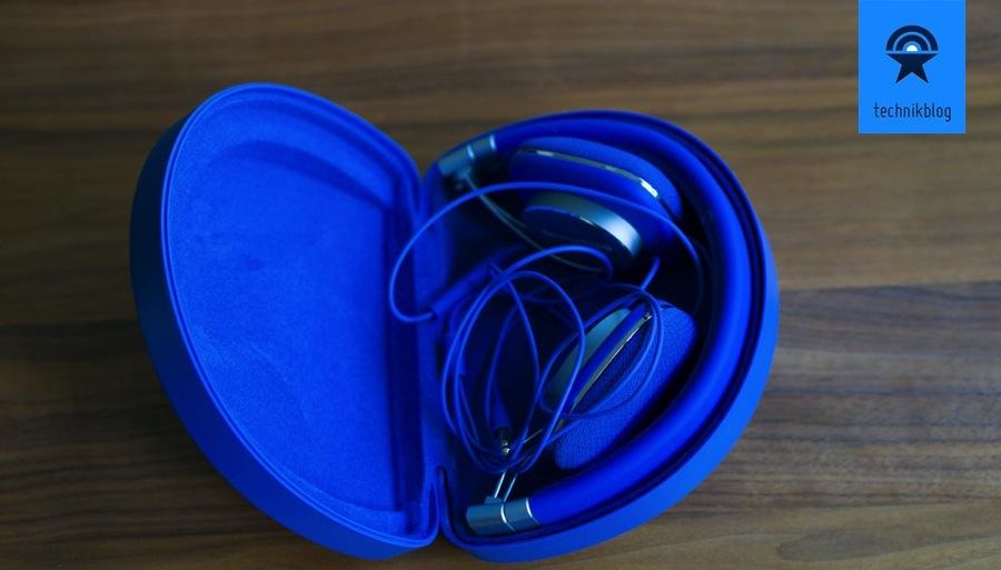 Bowers & Wilkins P3 Blue mit praktischer Transportschachtel