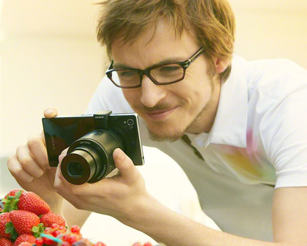 Sony Aufsteck-Linsen-Kamera mit dem neuen Sony  Honami i1 Smartphone
