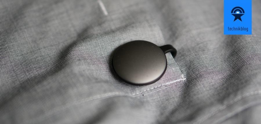 Der Misfit Shine kann dank Magnethalterung auch am Hemd getragen werden.