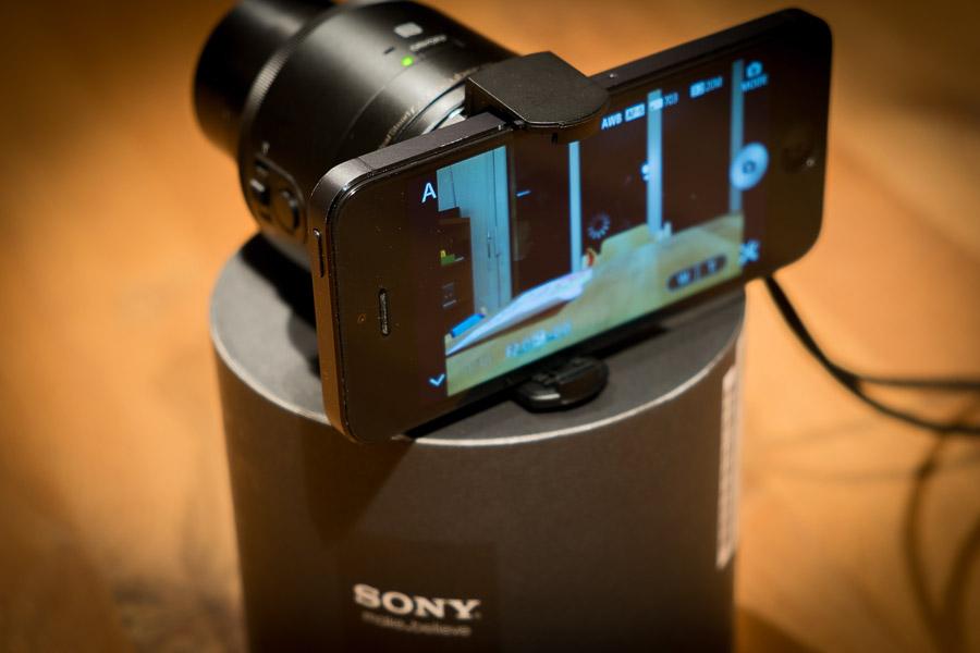 Sony QX100 mit dem iPhone gekoppelt