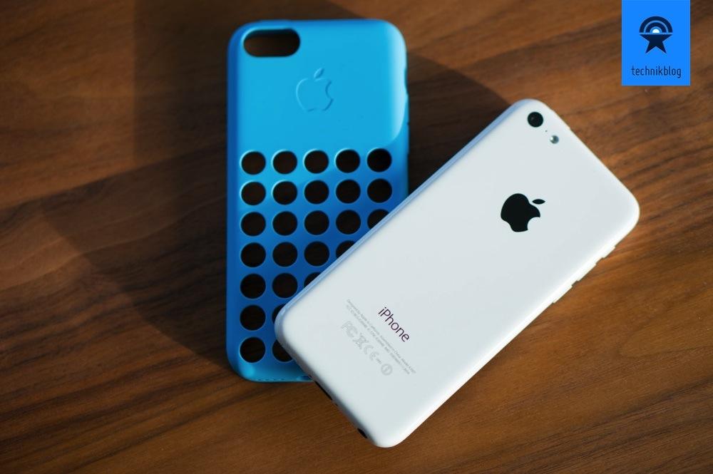 Apple iPhone 5C in weiss mit blauer Hülle