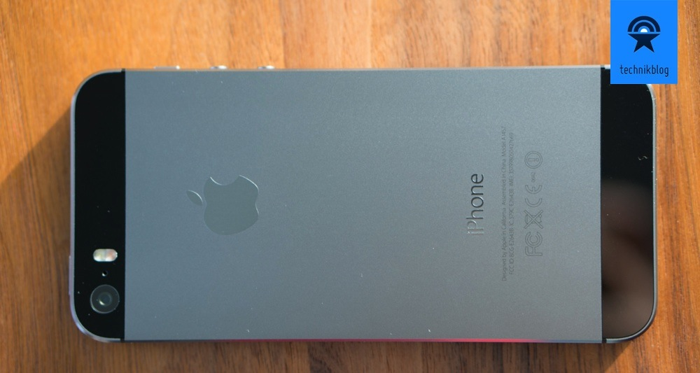 Apple iPhone 5S in Space Grey