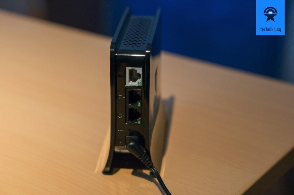 Securifi Almond - ein WAN und zwei LAN-Anschlüsse sind vorhanden