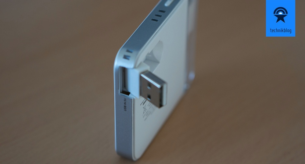 Die Xtorm Pocket Power Bank wird direkt über USB aufgeladen