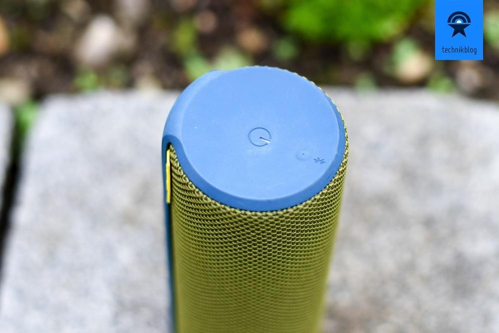 Der Einschalter und Bluetooth-Connect-Button liegen oben.