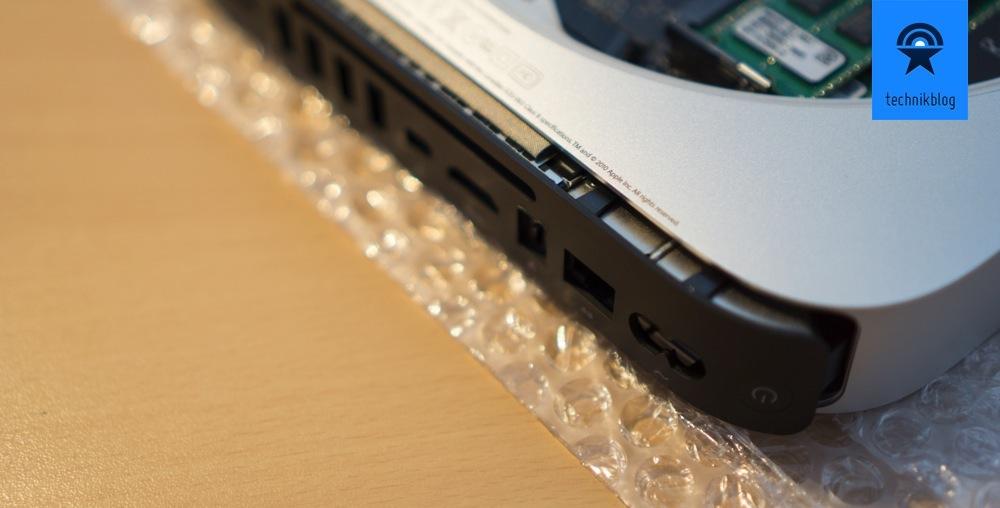 Das Logic Board muss für den Umbau aus dem Mac Mini Gehäuse.