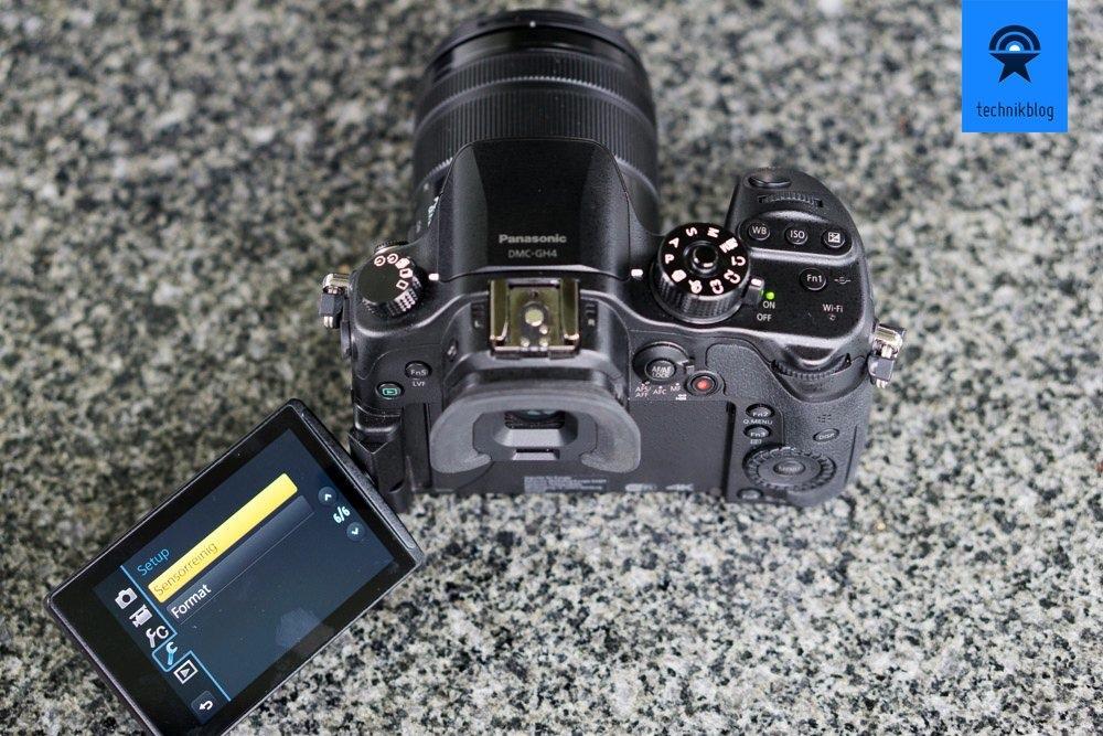 Klappbarer Bildschirm und Touchscreen gehören auch zum Repertoire der GH4.