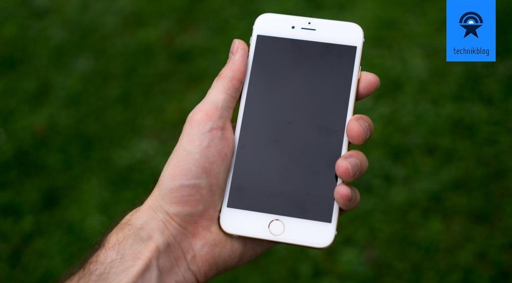 """Das iPhone 6 Plus hingegen ist schon eine Nummer grösser und spielt im Bereicht der """"Phablets""""...."""