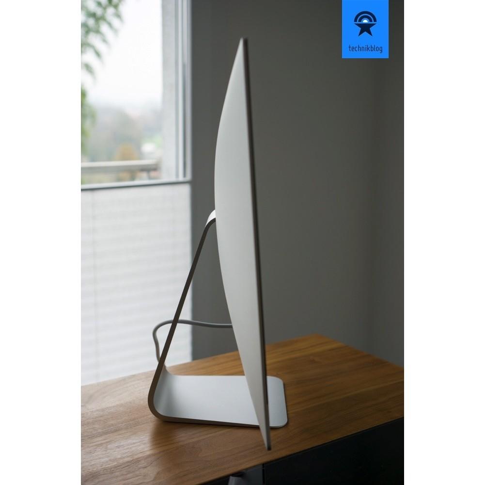 schmale Displayränder dominieren das schlanke Design des iMacs.