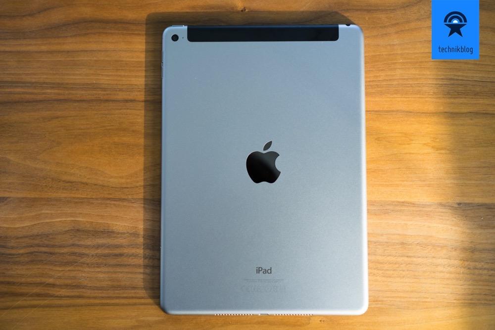 Apple iPad Air 2  - metallene Rückseite mit Aussparung für LTE Antennen.