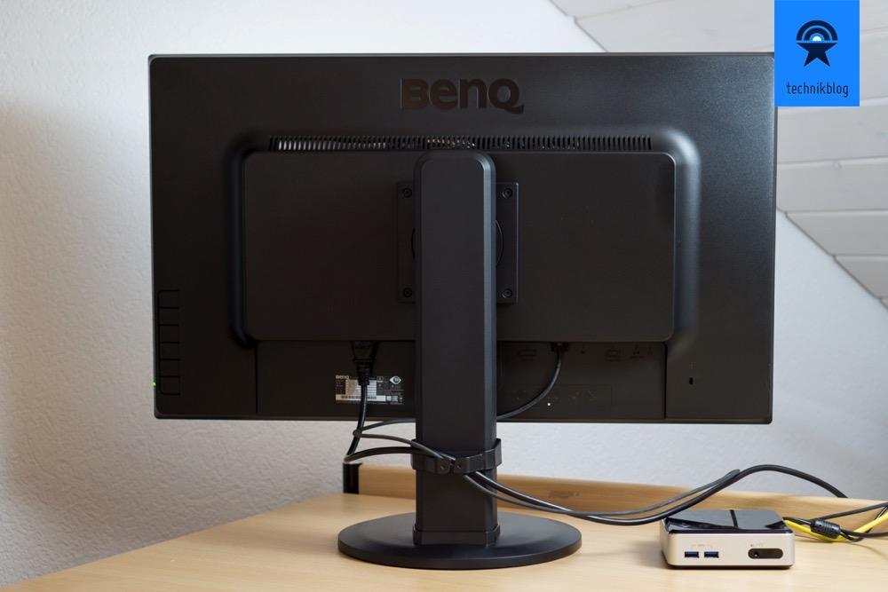 Anschlussvielfalt und ergonomische Einstellmöglichkeiten stehen für den Benq Monitor.