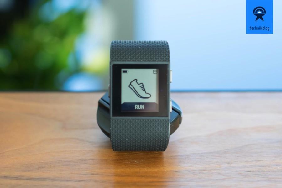 Fitbit Surge als Fitnesswatch