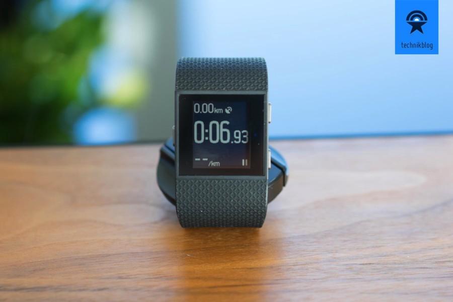 Fitbit Surge als Sportwatch