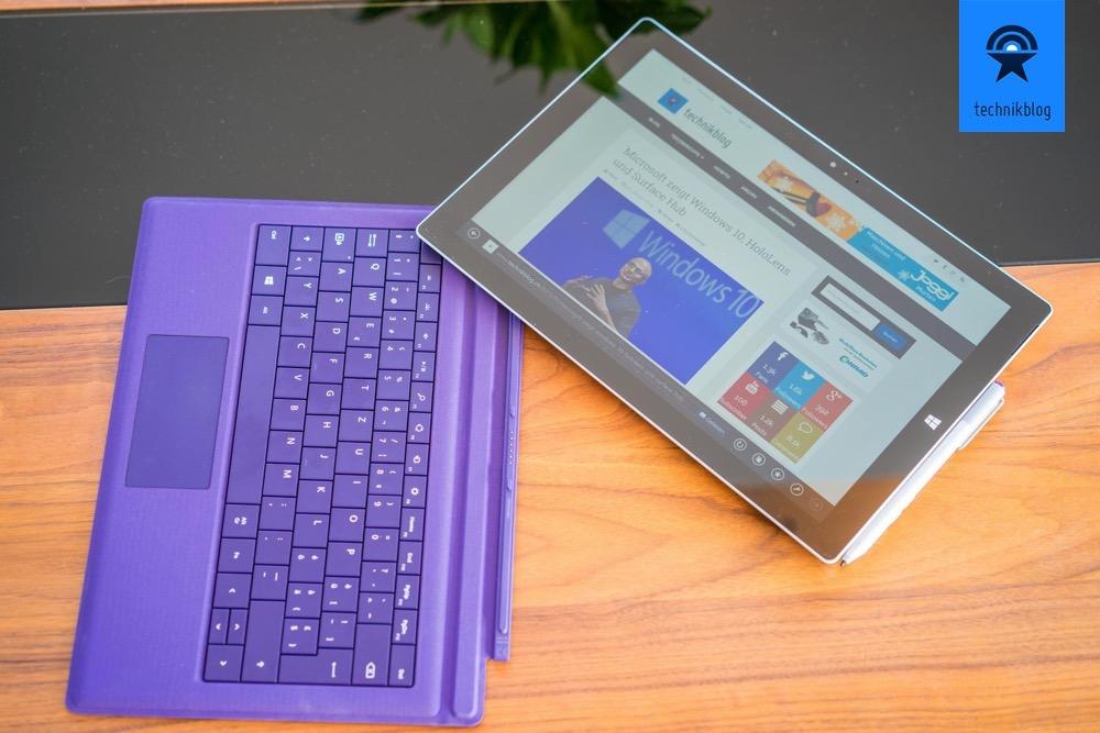 Das TypCover hält einfach magnetisch am Surface 3.