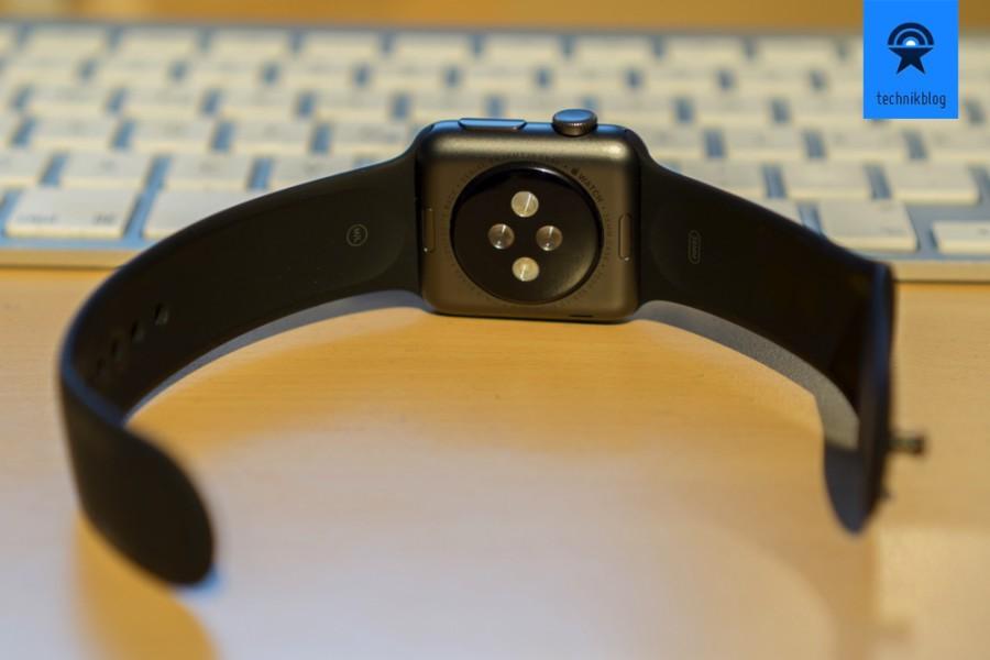 Pulsmessung an der Rückseite der Apple Watch