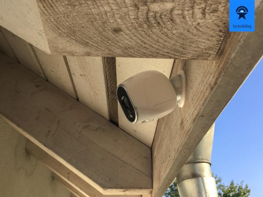 Netgear Arlo Kamera montiert