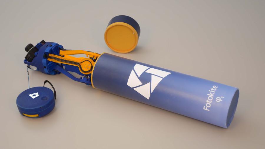 Der Fotokite Phi ist extrem kompakt in einem Rohr verstaubar