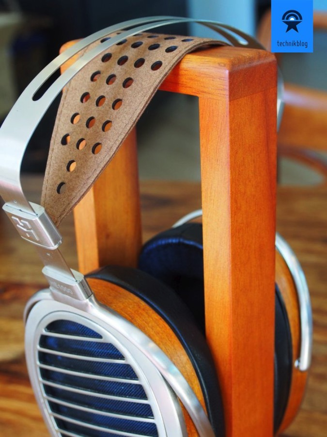 Hifiman HE1000 auf dem Kopfhörerständer