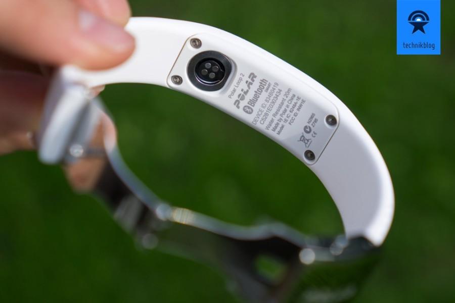 Polar Loop 2 - proprietärer Stecker zum Laden und Bluetooth für den Datenaustausch
