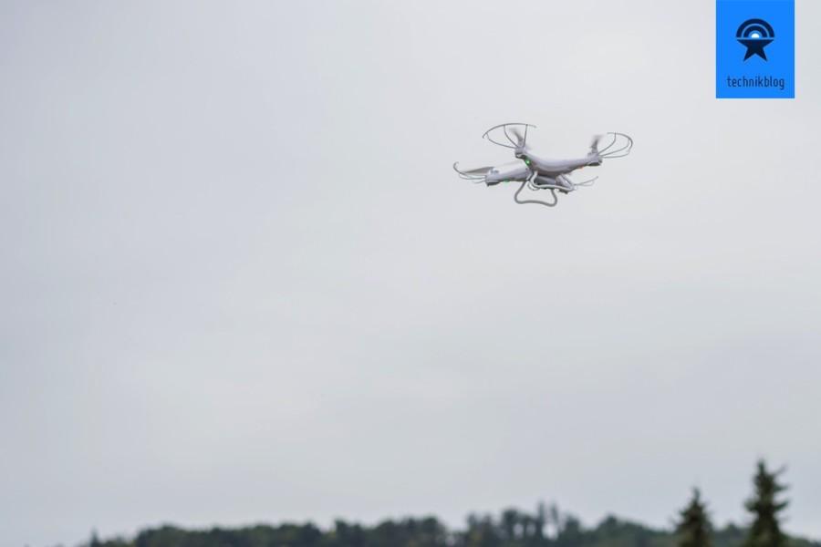 Shengkai D97 Quadcopter im Höhenflug