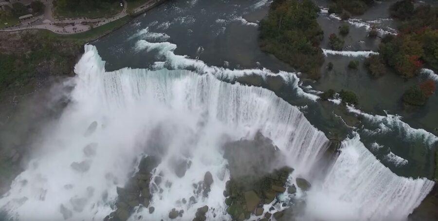 Drohne bei den Niagara Fällen