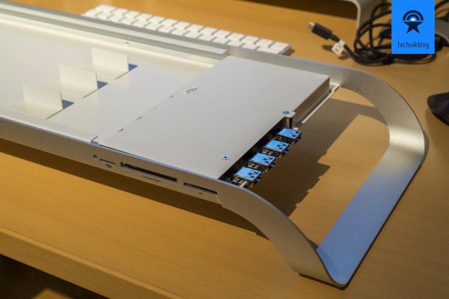 Unter dem Deckel der Prostation 3.0 ist der USB 3.0 Hub und viel Platz